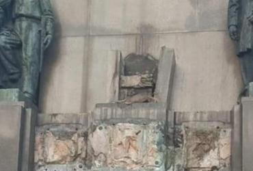 Estátua de quase meia tonelada em homenagem a Marechal Deodoro é furtada no Rio | Reprodução