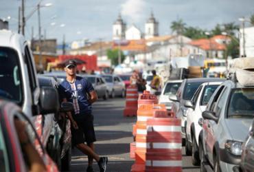 Motoristas e pedestres esperam até 1h na fila do ferry nesta terça   Raphael Müller   Ag. A TARDE