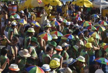 Foliões entram em clima do Carnaval com o furdunço | Shirley Stolze | Ag. A TARDE