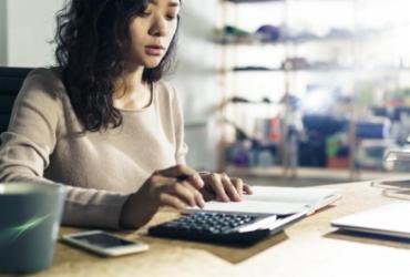 Contribuintes podem buscar auxílio de contadores para fazer o Imposto de Renda 2020