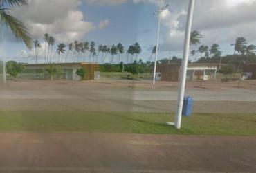 Jovem é encontrada morta na Praia de Piatã | Google Street View