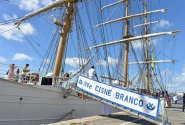 Navio-Veleiro Cisne Branco atrai visitantes no Porto de Salvador | Shirley Stolze | Ag. A TARDE
