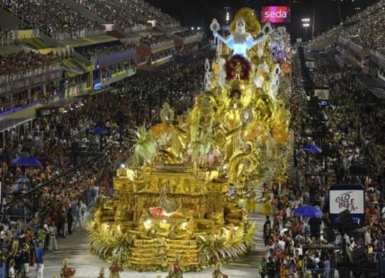 Após jejum de 23 anos, Viradouro é campeã do Carnaval do Rio | Mauro Pimentel | AFP