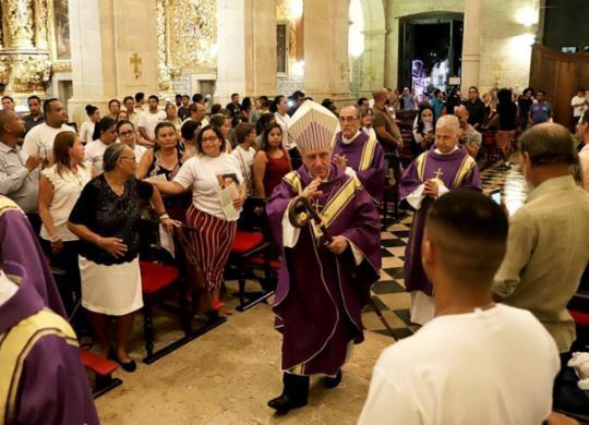 Arquidiocese de Salvador faz recomendações para evitar difusão de coronavírus em missas | Uendel Galter | Ag. A TARDE