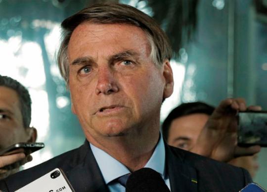 Bolsonaro insulta repórter com insinuação sexual durante entrevista | Valter Campanato | Agência Brasil