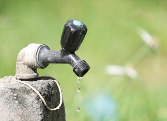 Justiça proíbe Embasa de interromper abastecimento de água no estado   Luciano da Matta   Ag. A Tarde