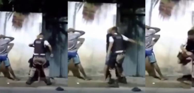 PM é flagrado agredindo jovem durante abordagem policial   Foto: Reprodução - Foto: Reprodução