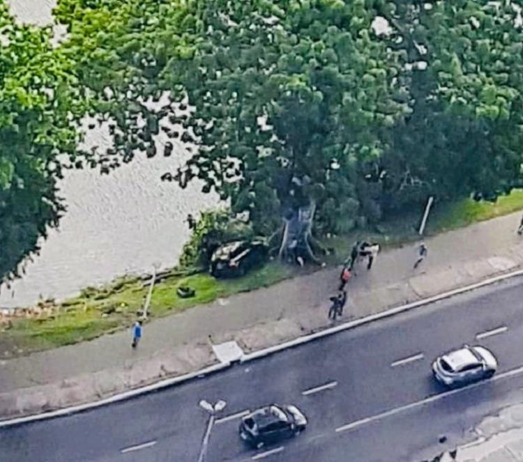 Acidente foi registrado pela Transalvador no sentido Lapa | Foto: Cláudia Meneses | Isso é Bahia - Foto: Cláudia Meneses | Isso é Bahia