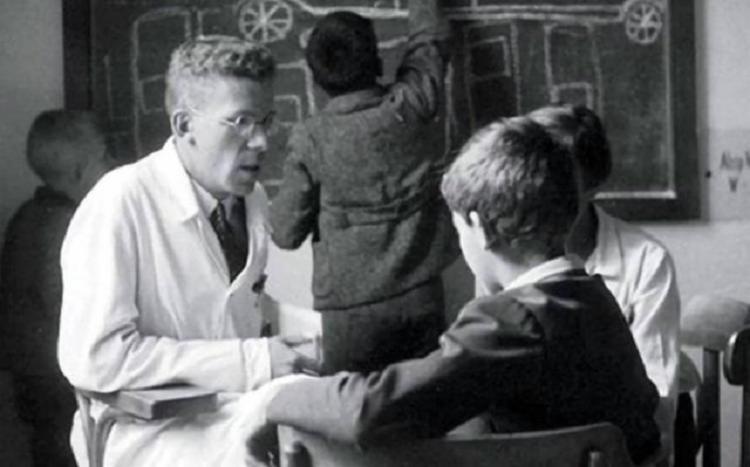 Asperger foi o primeiro médico que descreveu a síndrome   Foto: Reprodução - Foto: Reprodução