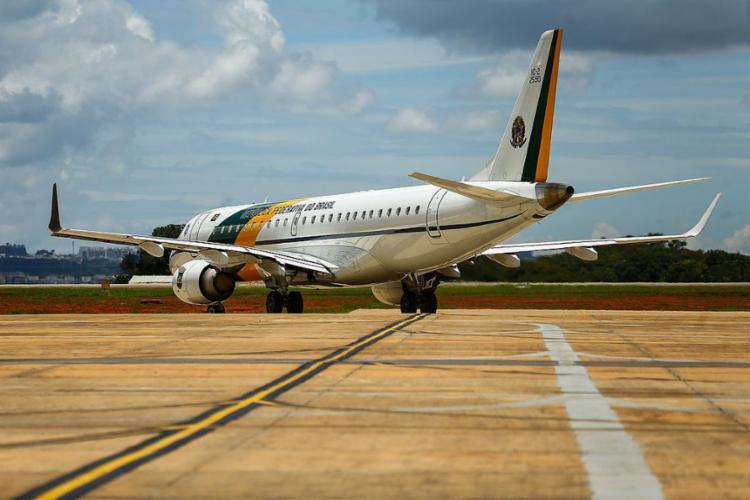 Os dois aviões partiram de Ürumqi, última escala na China, pouco depois das 10h (horário de Brasília) - Foto: Marcelo Camargo   Agência Brasil