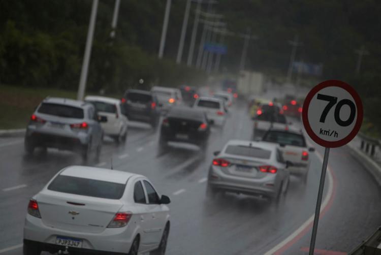 Precipitações podem acontecer a qualquer hora do dia   Foto: Raphael Muller   Ag. A TARDE - Foto: Raphael Muller   Ag. A TARDE
