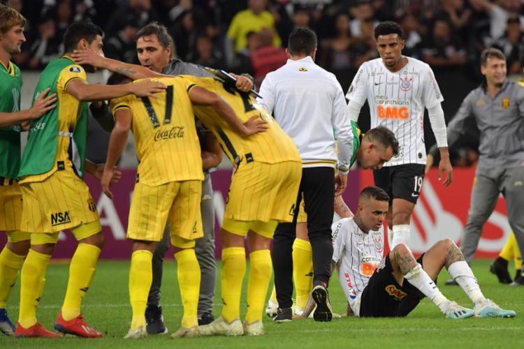 Luan marcou o segundo gol do Timão, mas de nada adiantou | Foto: Nelson Almeida | AFP - Foto: Nelson Almeida | AFP