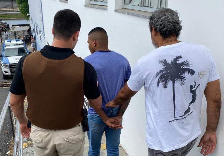 Suspeito era monitorado por tornozeleira eletrônica | - Foto: Divulgação | SSP