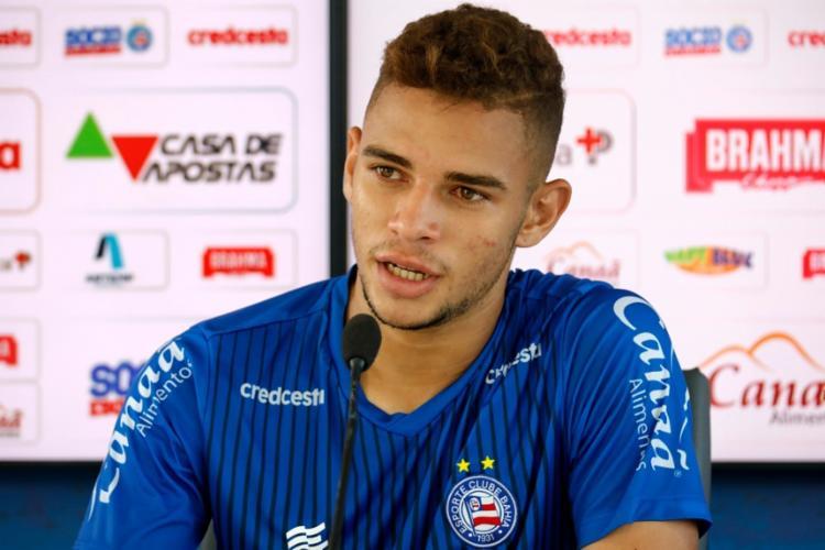 Volante que teve passagem pelo Vitória, espera marcar contra o ex-clube | Foto: Felipe Oliveira | EC Bahia - Foto: Felipe Oliveira | EC Bahia