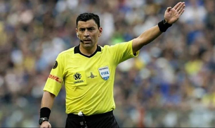 Roberto Tobar é um dos árbitros mais experientes do futebol sul-americano   Reprodução - Foto: Reprodução