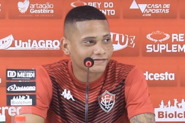 O volante Guilherme Rend, que subiu ao profissional neste ano, tem se destacado nas partidas | Foto: Reprodução | Youtube - Foto: Reprodução | Youtube