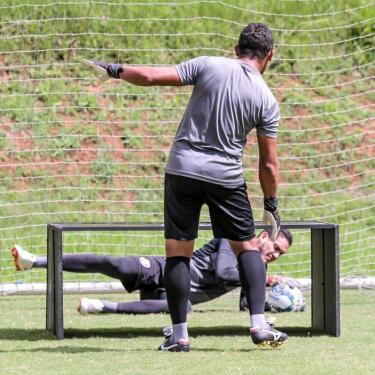 Ronaldo realizou exercícios específicos para aprimorar os reflexos | Foto: Letícia Martins | EC Vitória - Foto: Letícia Martins | EC Vitória