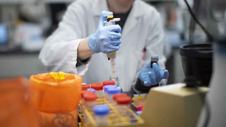 Exames realizados na capital paulista geraram resultado positivo para o covid-19 | Foto: Kena Betancur | AFP - Foto: Kena Betancur | AFP