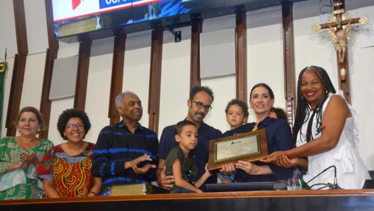 Honraria foi proposta pela deputada Olívia Santana | Foto: Carlos Amilton | Agência ALBA - Foto: Carlos Amilton | Agência ALBA