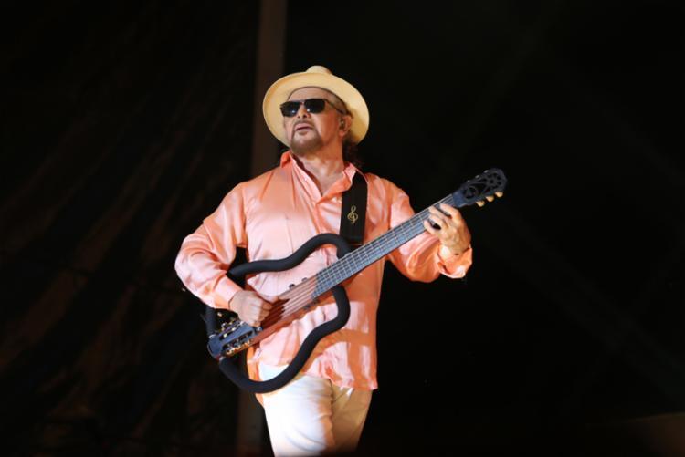 O artista sobe ao palco no sábado (11/4), trazendo no repertório os sucessos da sua longa e bem-sucedida carreira. - Foto: Marcelo Ribeiro_Divulgação