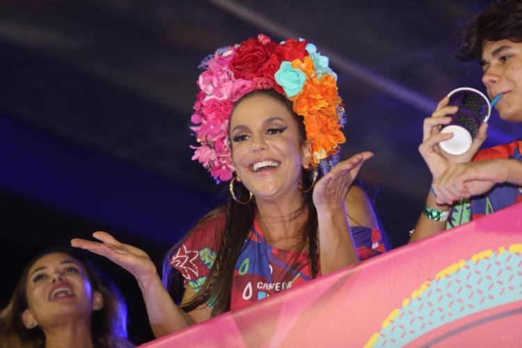 Após o desfile, a cantora relaxou em seu camarote | Foto: Tati Freitas | Divulgação - Foto: Tati Freitas | Divulgação