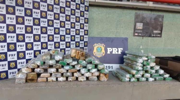 Drogas foram encontradas durante vistoria em ônibus | Foto: Divulgação | PRF - Foto: Divulgação | PRF