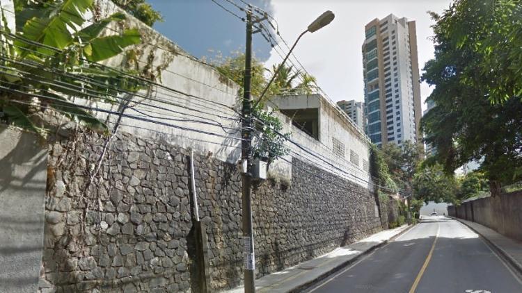 Mulher é morta a tiros neste domingo no bairro do Horto Florestal Foto: Reprodução | Google Street View - Foto: Reprodução | Google Street View