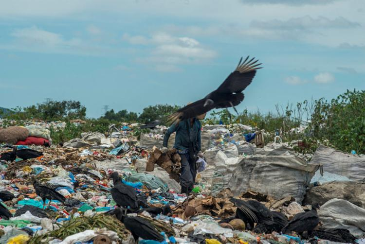 Municípios continuam a despejar resíduos a céu aberto | Foto: Adelmo Borges | Ag. A TARDE - Foto: Adelmo Borges | Ag. A TARDE