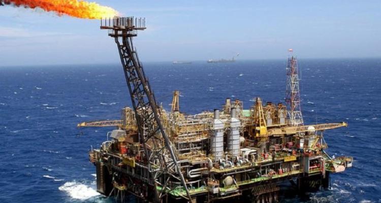 Contratos futuros do petróleo fecharam a segunda-feira em forte queda - Foto: Reprodução