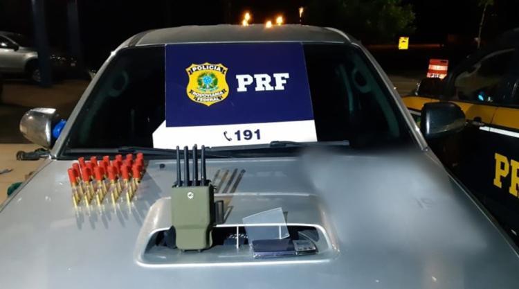 Polícia não conseguiu localizar os ocupantes do veículo   Foto: Divulgação   PRF - Foto: Divulgação   PRF