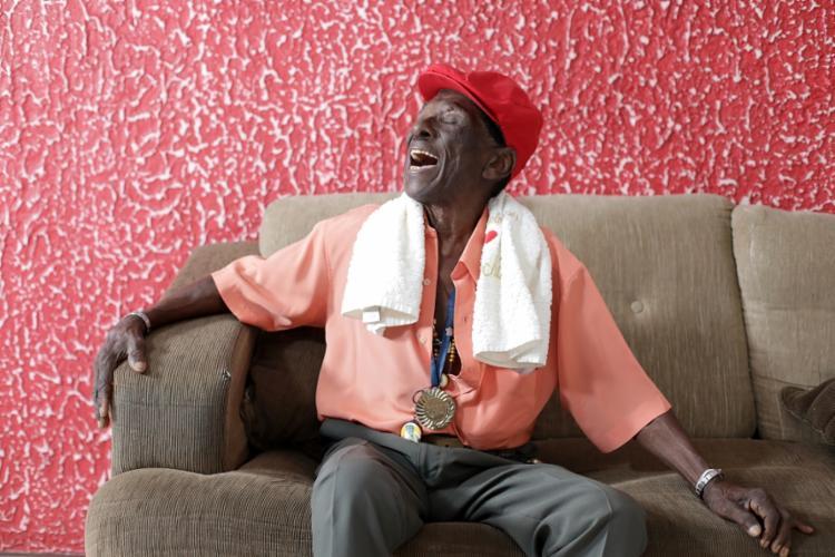 Riachão, 98, não participou dos últimos dois carnavais - Foto: Raul Spinassé/Ag. A TARDE