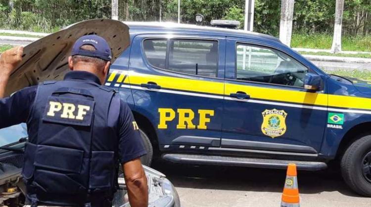 Homem informou que estava com CNH vencida e não portava CRLV   Foto: Divulgação   PRF - Foto: Divulgação   PRF