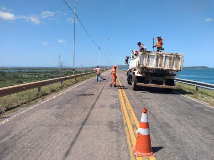 O trabalho de manutenção e recuperação foi executado, também, na BA-316, no trecho da Comunidade do Papagaio, sentido Sobradinho. - Foto: Divulgação