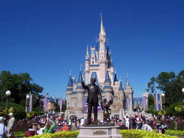 Campanha vai levar uma empregada doméstica para a Disney   Foto: Divulgação - Foto: Divulgação