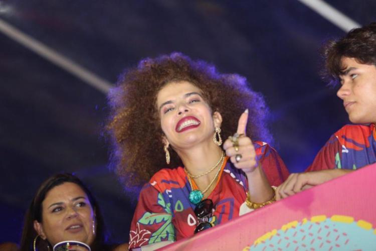 Cantora comandou a pipoca ao lado de Ivete no Campo Grande | Foto: Tati Freitas | Divulgação - Foto: Tati Freitas | Divulgação
