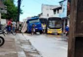 Caçamba cai em buraco de obra em Santo Antônio de Jesus | Foto: Foto: Reprodução | Infosaj