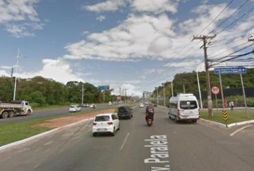 Carro de passeio e ônibus se envolvem em acidente na Avenida Paralela | Google Street View