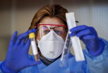 Liderar ou ser liderado em época de pandemia? Qual sua escolha? | Robin Van Lonkhuijsen | AFP