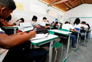 Prefeitura segue decreto estadual e concede férias para servidores da rede de ensino | Joá Souza | Ag. A TARDE
