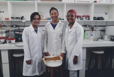 Estudantes de Ilhéus fabricam sabão para doar ao Hospital Costa do Cacau e Corpo de Bombeiros