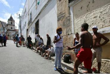 Iniciativa leva kits de higiene para população em situação de rua | Laryssa Machado | Ag. A TARDE