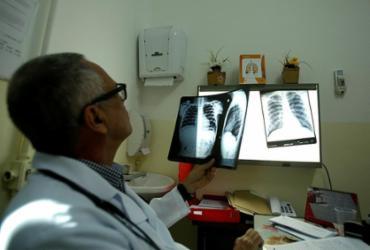 Combate à tuberculose segue necessário | Felipe Iruatã | Ag. A TARDE