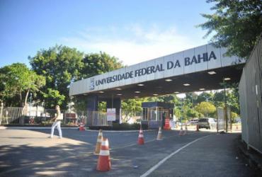 Cortes no orçamento do MEC prejudicam alunos da Ufba | Felipe Iruatã | Ag. A TARDE