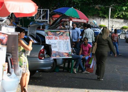 Neto anuncia programa que destina R$ 270 mensais para comerciantes informais   Joá Souza   Ag. A TARDE