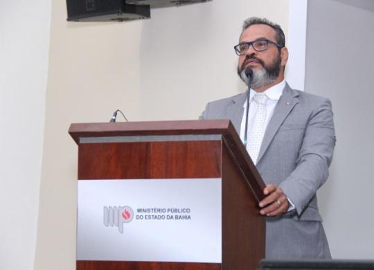 Pandemia: liberação de presos é feita de maneira criteriosa, explica promotor de Justiça | Guilherme Weber | MP-BA