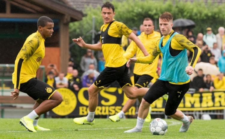 A equipe foi divida durante as atividades, com uma parte treinando com bola e outra na academia   Foto: Divulgação   Borussia Dortmund - Foto: Divulgação   Borussia Dortmund