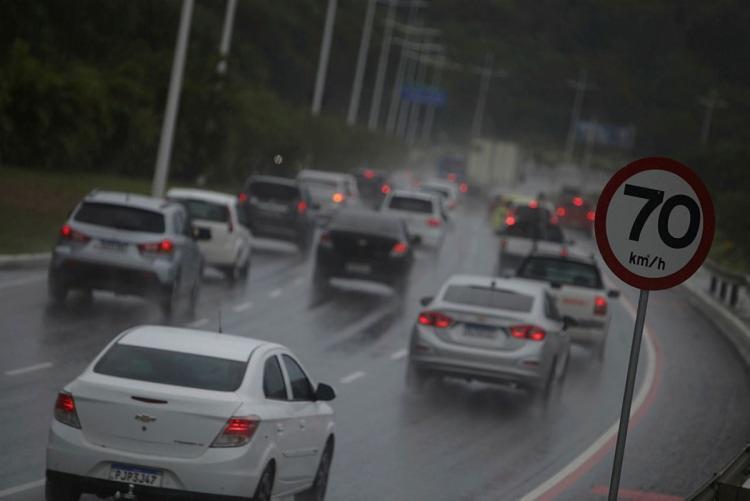Centro de Monitoramento e Alerta da Defesa Civil registrou, nas últimas 24h, maior acumulado de chuva no bairro de São Cristóvão (70 mm) | Foto: Raphael Muller | Ag. A TARDE - Foto: Raphael Muller | Ag. A TARDE