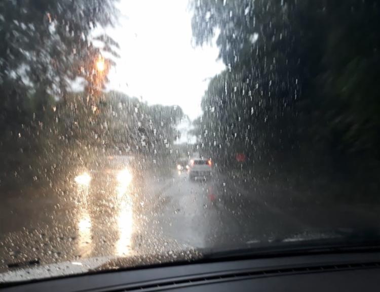 Tempo chuvoso teve início na noite de segunda-feira | Foto: Cidadão Repórter - Foto: Cidadão Repórter