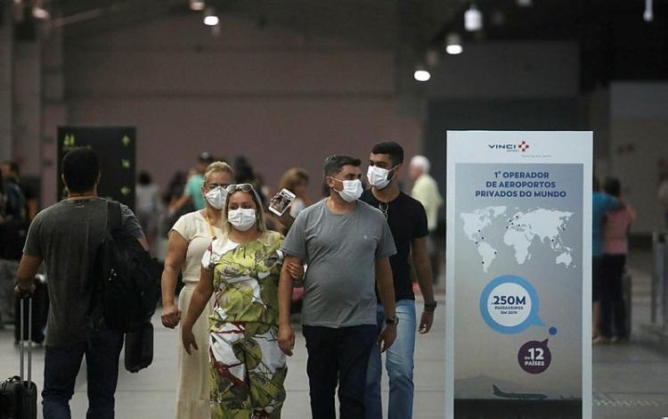 A Bahia já registrou 671 casos notificados com suspeita clínica de infecção pelo novo coronavírus | Foto: Raul Spinassé | Ag. A TARDE - Foto: Raul Spinassé | Ag. A TARDE