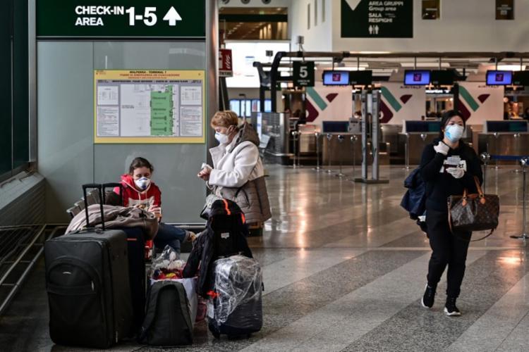 À medida que o vírus se expande, cresce o medo do seu impacto na economia | Foto: Miguel Medina | AFP - Foto: Miguel Medina | AFP